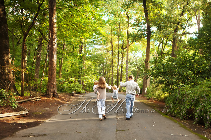 Birmingham Botanical Gardens Family Portraits_His Hands Photographs_12