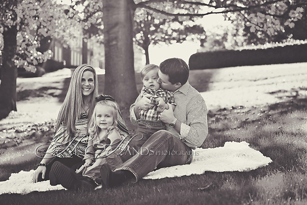 Samford Camous Family Portraits_His Hands Photographs_03